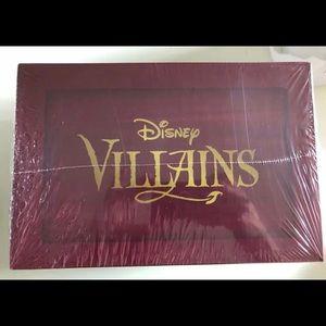 Funko Disney Treasures: Villains Box